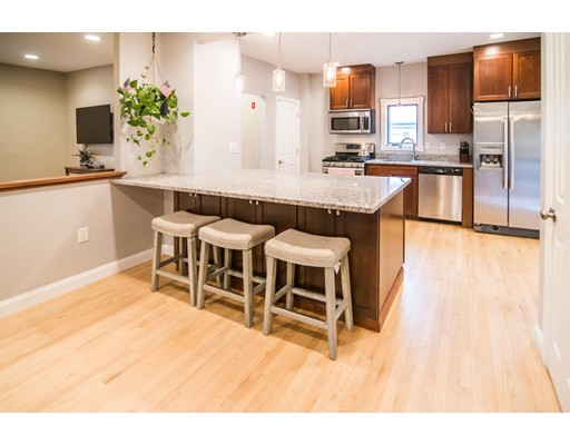 15 Knowles Ave, Saugus, MA 01906