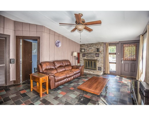 70 Kent Ave, Suffield, CT 06082