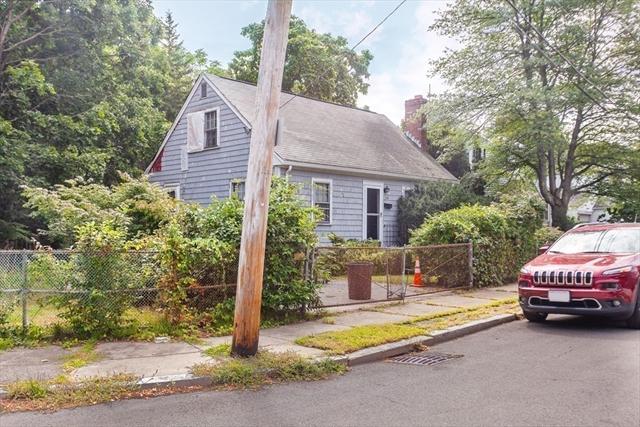 39 Gwinnett Street Boston MA 02136