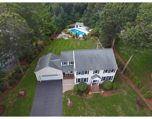 4 Fairway Ln, Pembroke, MA 02359