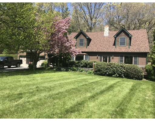 4 Kendall Ave, Sherborn, MA 01770