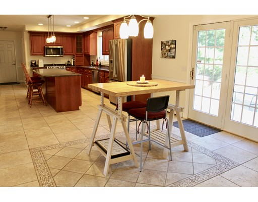 15 Butternut Way, Bridgewater, MA 02324