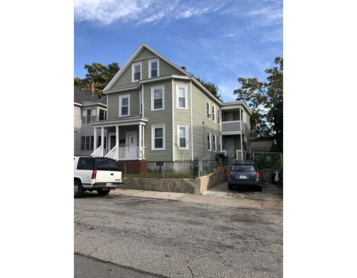 117 Ennell St, Lowell, MA 01850