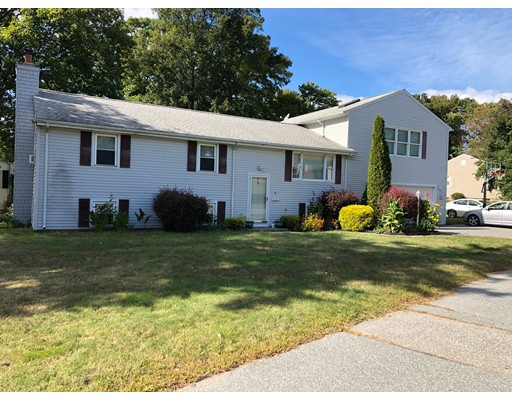 95 Chateau, Somerset, MA 02726