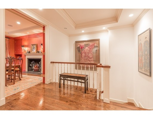 32 Lime St, Boston, MA 02108