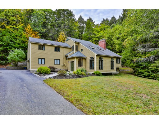 14 Nathaniel Dr, Amherst, NH 03031