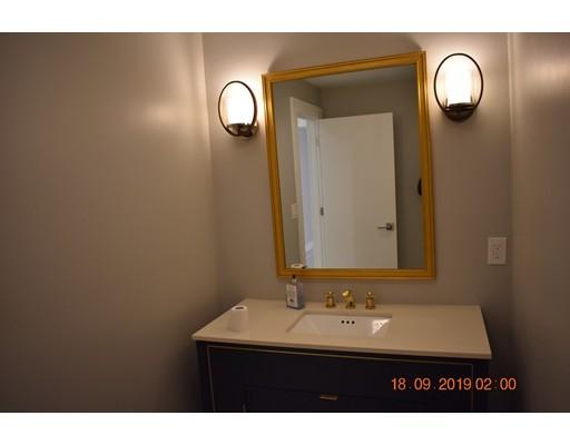 955 Hammond St, Brookline, MA 02467
