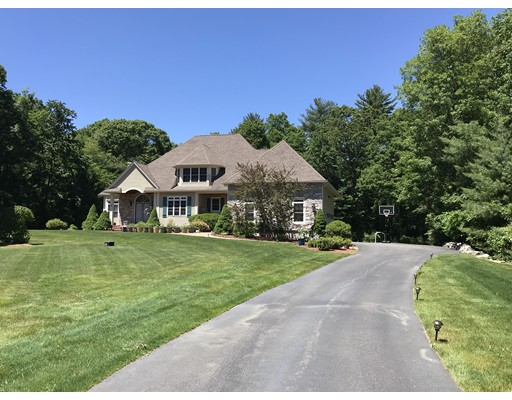 19 Oak Leaf Ln, Easton, MA 02356
