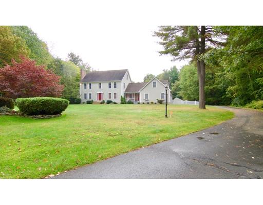 696 Woodland Way, Russell, MA 01071