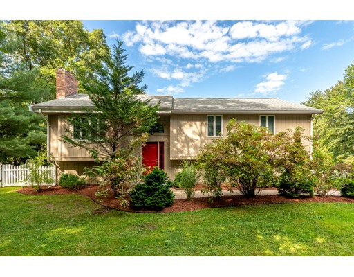 749 North St, Walpole, MA 02081