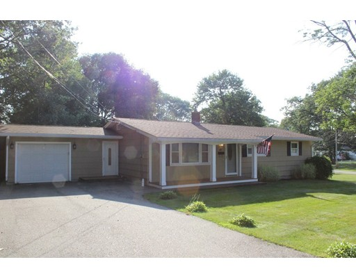 41 Mayflower Road, Leicester, MA 01524