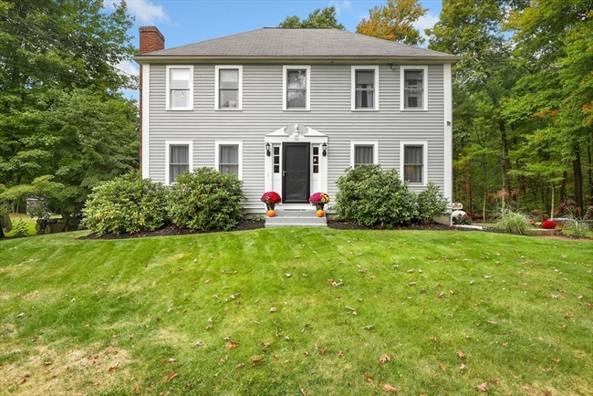 32 Strawstone Lane Norton MA 02766