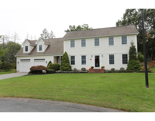 45 Applewood Lane, South Hadley, MA 01075