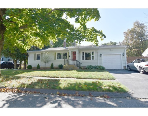 76 Sussex Ln, Worcester, MA 01602