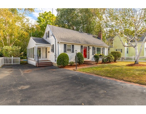 15 Forest Park Rd, Woburn, MA 01801