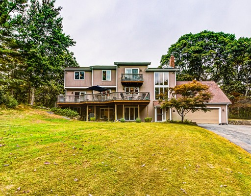 9 Arrowhead Ln, Franklin, MA 02038