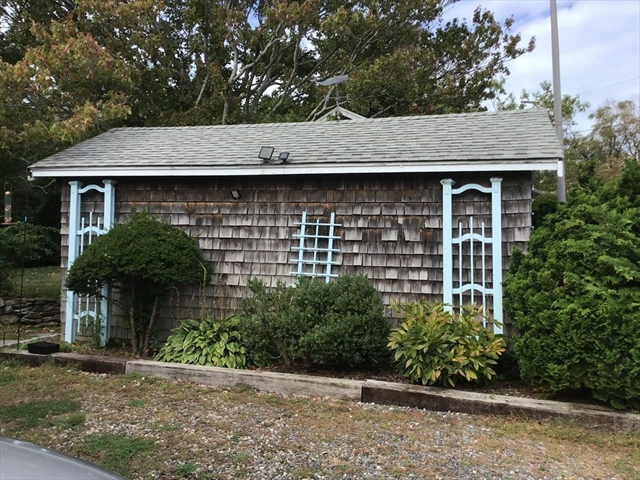 15 Eden Road Rockport MA 01966