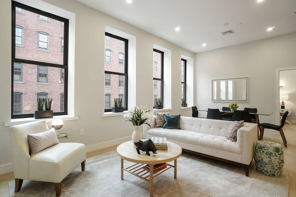 Seaport District High Rise Condos $1,100,000