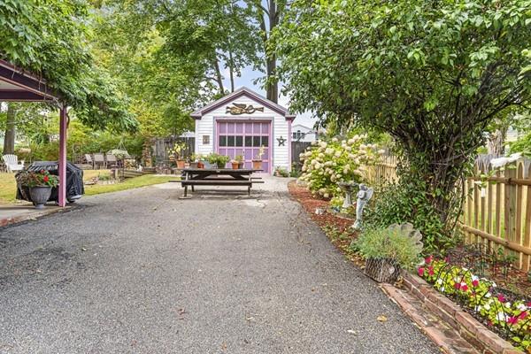 11 Lake Street Amesbury MA 01913