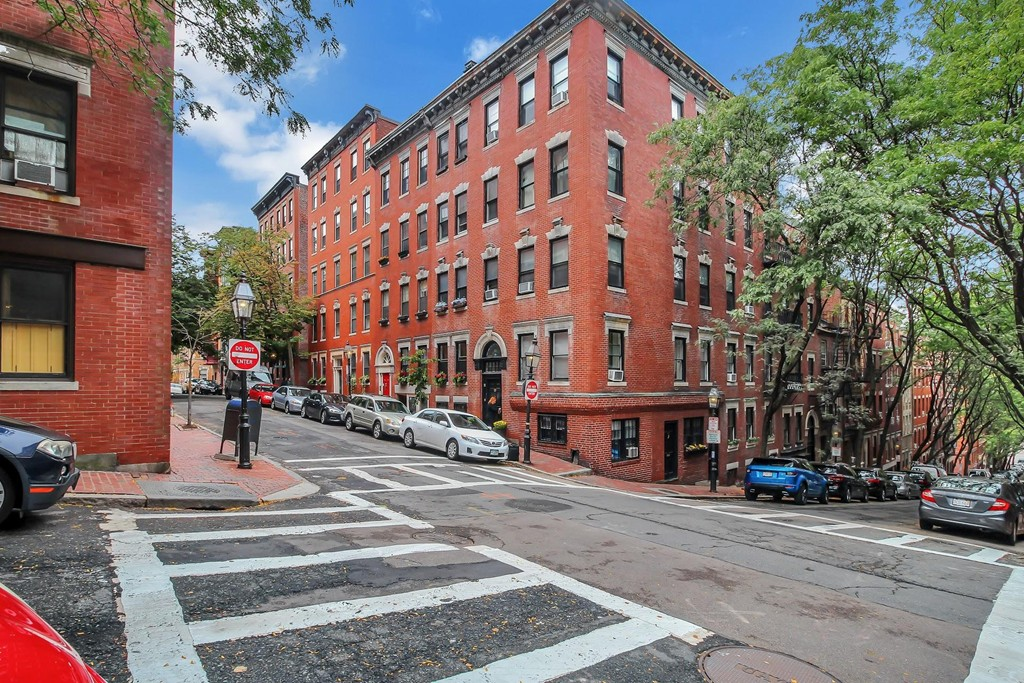 Beacon Hill condo for sale 19 Revere St priced under $600k