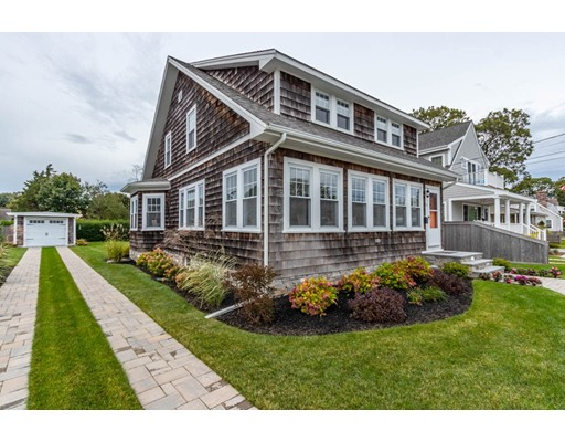 14 Worcester Ct, Falmouth, MA 02540