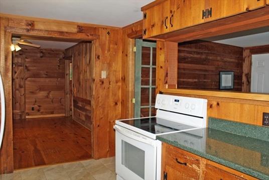 15 Mountain Road, Northfield, MA: $219,900