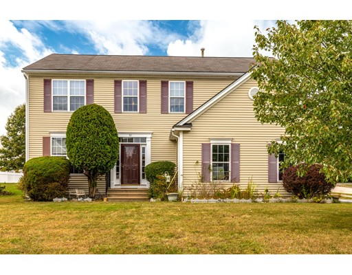 32 Oriental St, Worcester, MA 01605