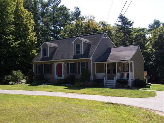 39 Hill Street Lakeville MA 02347