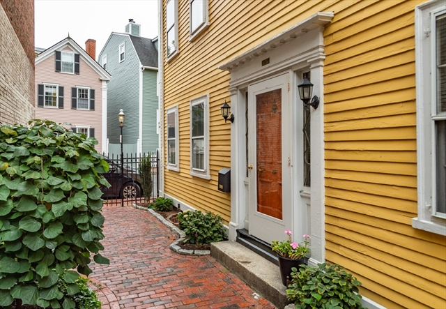 81 Warren Street Boston MA 02129