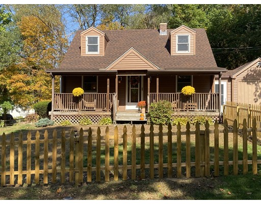 27 Highland Ave, Russell, MA 01071