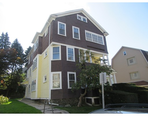 17 View St, Worcester, MA 01610