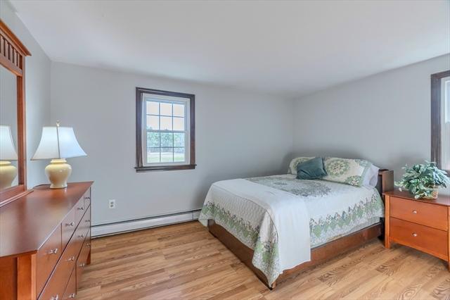827 Green Street Gardner MA 01440