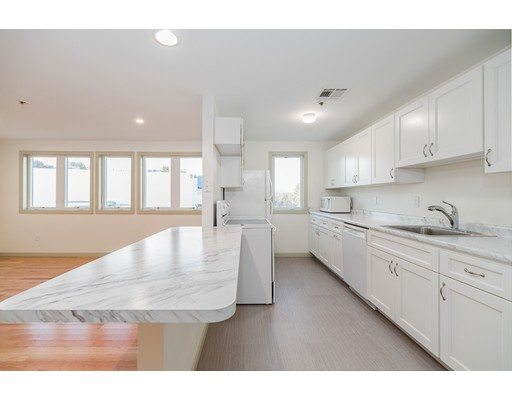 36 Dunham Rd Unit 301, Beverly, MA 01915