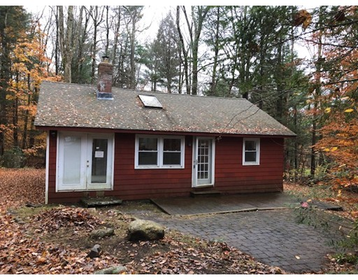 272 Meadow Dr, Tolland, MA 01034