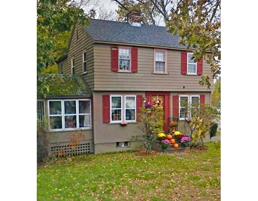 4 Beds, 1 Bath home in North Andover for $489,900