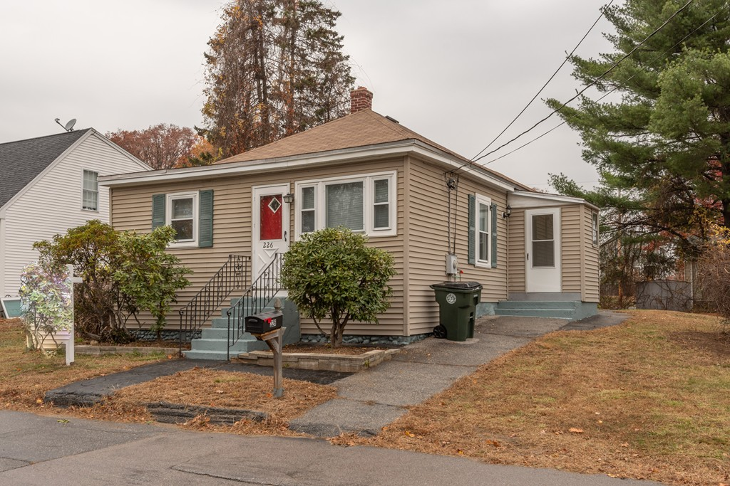 Photo of 226 Sewall St Manchester NH 03103