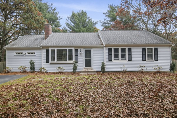 18 SANDY Valley Barnstable MA 02648