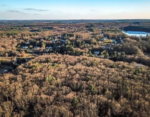 Attention Builders & Developers - Silver Hollow Estates is an approved 26 lot subdivision set off of a bucolic country road in the desirable town of Westborough. Development plans are available upon request.Owner has begun site work and road construction.