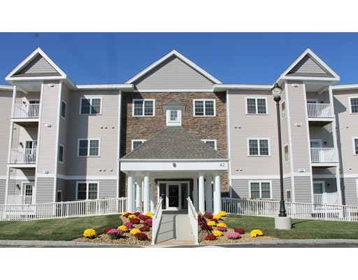 Two Regency Village Way 105, Merrimac, MA 01860