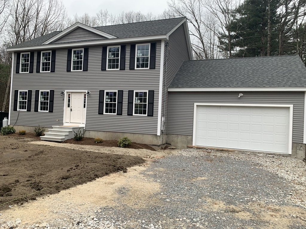 Photo of 5 Lakeview Ave Tyngsborough MA 01879