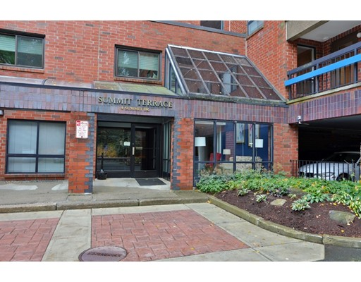 4 Summit Dr. Unit 402, Reading, MA 01867