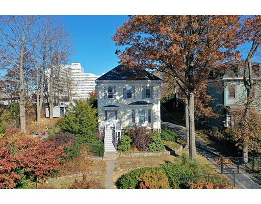 33 Evergreen St, Boston - Jamaica Plain, MA 02130