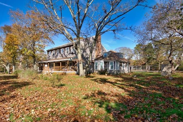 111 New YORK Oak Bluffs MA 02557