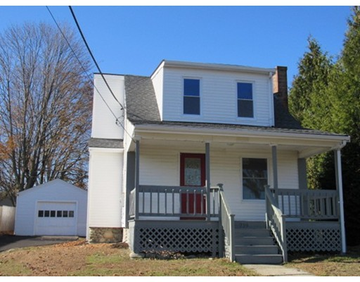 719 Pleasant St, Somerset, MA 02726