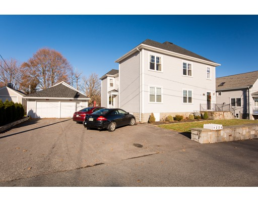 94 Thelma Ave, Somerset, MA 02726