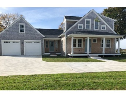 6 South Dr, Middletown, RI 02842