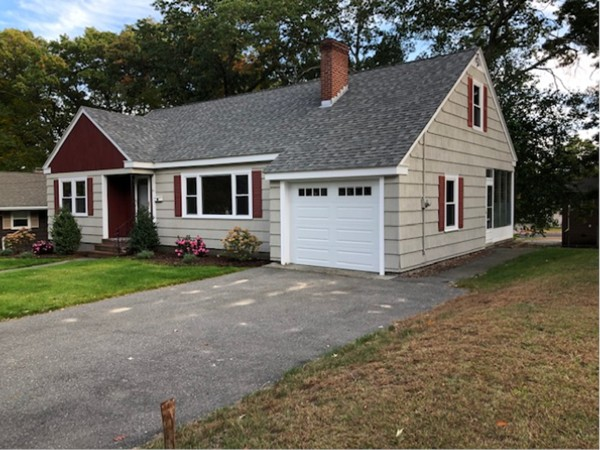 56 Colonial Road Lawrence MA 01843