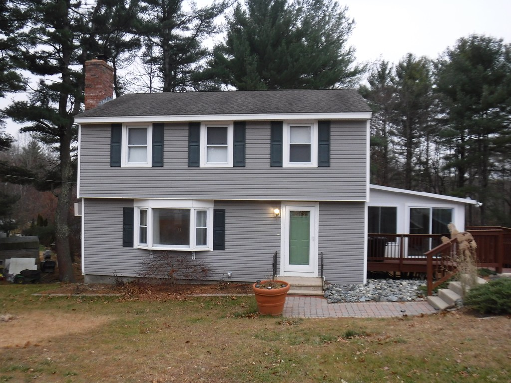Photo of 4 Prosperity Dr Derry NH 03038