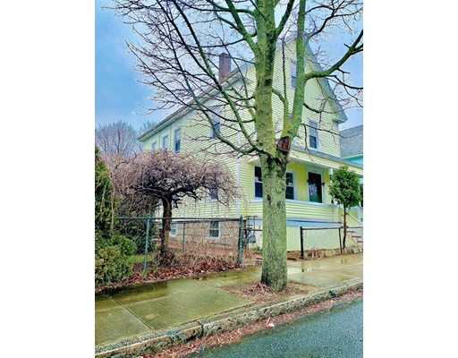 224 Arnold St, New Bedford, MA 02740
