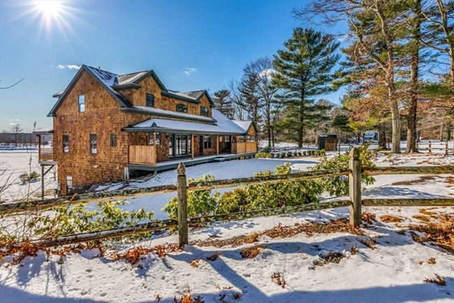 89R Crooked Lane Lakeville MA 02347
